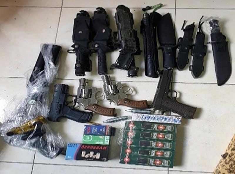 Thanh niên buôn súng qua mạng bị bắt khi nhờ sửa súng rulo - ảnh 1