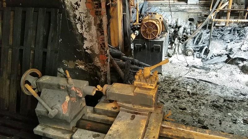 Hỏa hoạn thiêu rụi 1 nhà xưởng ở quận Bình Tân - ảnh 1