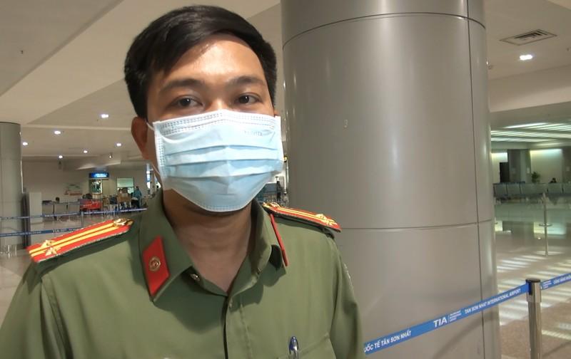 Người Việt mừng vui từ vùng dịch COVID-19 về nước   - ảnh 5