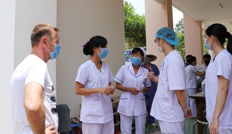 24 giờ đồng hồ ở Bệnh viện dã chiến Củ Chi, nơi chữa COVID-19 - ảnh 17