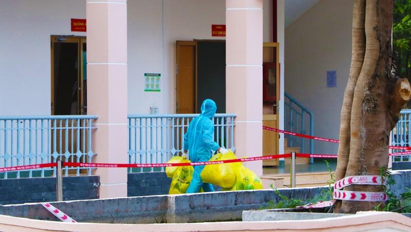 24 giờ đồng hồ ở Bệnh viện dã chiến Củ Chi, nơi chữa COVID-19 - ảnh 3