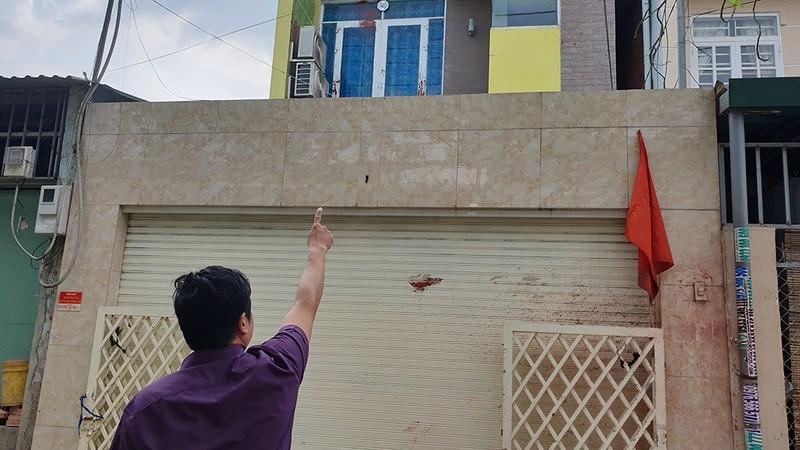 Bình Chánh: Vợ chồng giáo viên khốn khổ vì bị tạt sơn, đòi nợ - ảnh 2