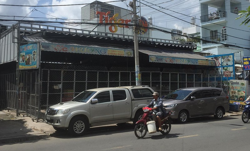 Tạm giữ 15 người nhóm phá quán ốc, diễu phố ở Bình Tân - ảnh 4