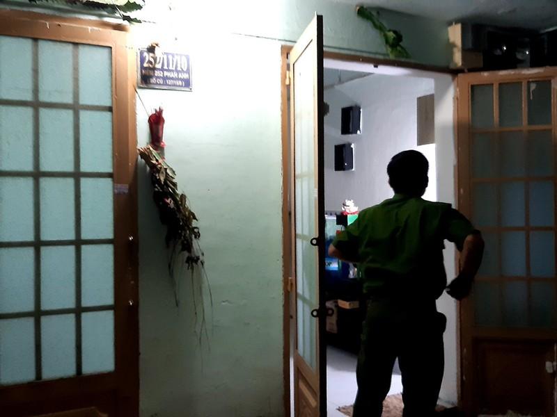 Công an truy tìm người đàn ông bạo hành bé gái ở Tân Phú - ảnh 1