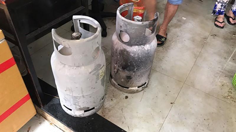 Cháy quán cơm văn phòng ở trung tâm TP.HCM, 7 người mắc kẹt - ảnh 4
