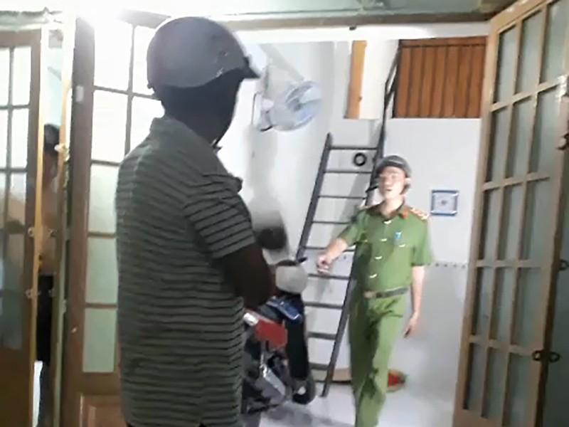 Tạm giam kẻ đánh đập con của người tình ở Tân Phú - ảnh 1