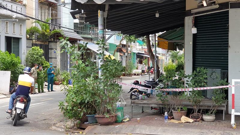 Quận Tân Phú: Phong tỏa, cách ly nhiều ngôi nhà trong đêm - ảnh 5