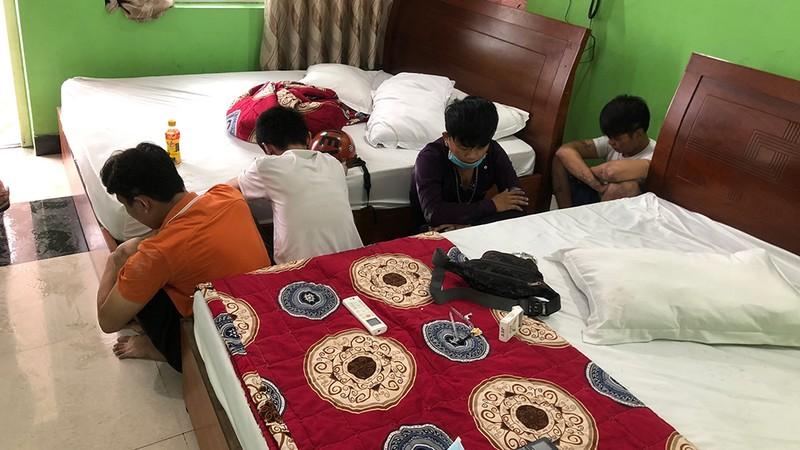 Bình Tân: 'Dân bay' chọn nhà nghỉ, khách sạn làm 'bãi đáp' - ảnh 1