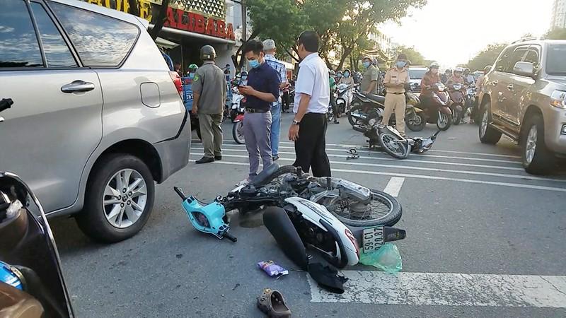 Tin mới về vụ tai nạn liên hoàn nghi cướp giật ở Bình Tân - ảnh 2
