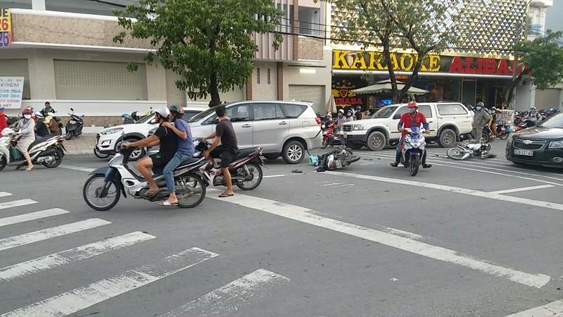 Tin mới về vụ tai nạn liên hoàn nghi cướp giật ở Bình Tân - ảnh 1