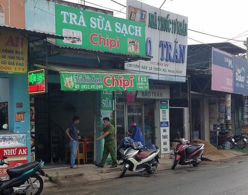 10 người dùng hung khí đập quán trà sữa ở Bình Tân - ảnh 2