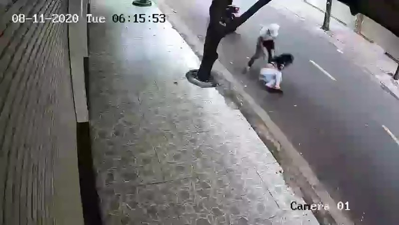 Bắt nhóm cướp giật kéo lê cô gái trên đường ở Tân Bình - ảnh 1
