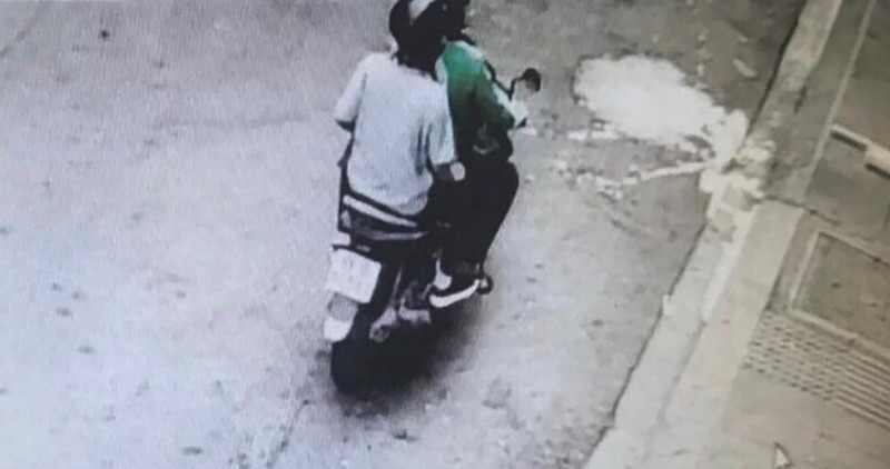 Công an quận 1 tìm 3 kẻ trộm bị camera an ninh ghi hình - ảnh 3