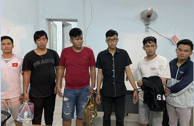18 vụ bị công an dỏm dùng súng cướp xe không ai trình báo - ảnh 1