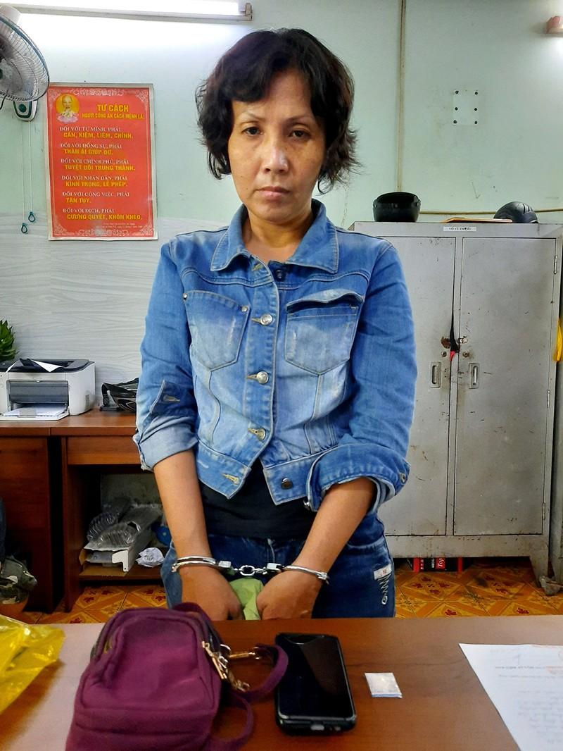Tin mới vụ người phụ nữ đưa con nuôi đi trộm tiền ở quận 3 - ảnh 1