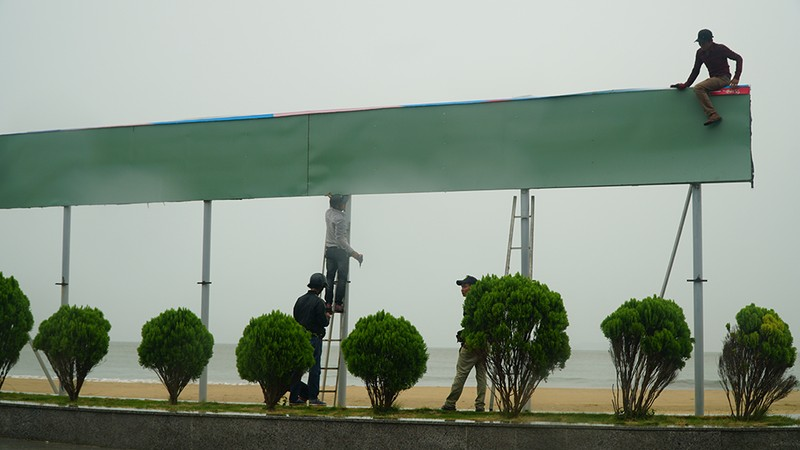 Những hình ảnh ở Quy Nhơn trước đêm bão số 9  - ảnh 6
