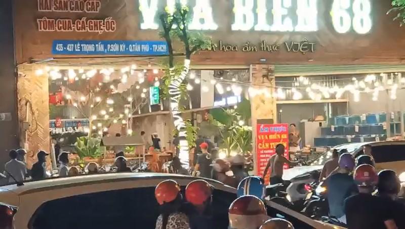 Hỗn chiến như phim tại quán nhậu ở quận Tân Phú - ảnh 1
