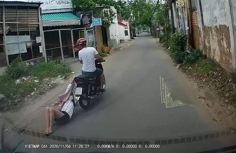 Lời khai tên cướp giật, kéo lê cô gái hàng trăm mét ở Bình Tân - ảnh 2