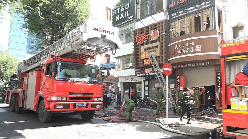 Điều tra vụ cháy nhà hàng ở quận 1, TP.HCM - ảnh 1