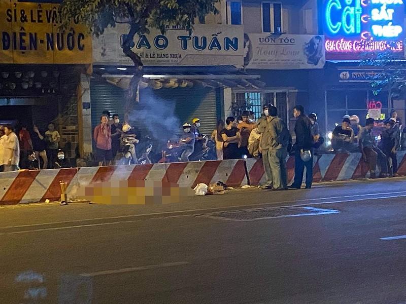 Nạn nhân bị cướp giật tông xe ở Tân Phú đã tử vong - ảnh 1