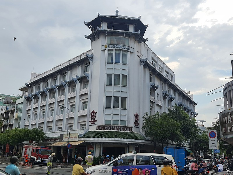 Khách sạn Đồng Khánh ở quận 5 cháy nghi do sét đánh  - ảnh 3