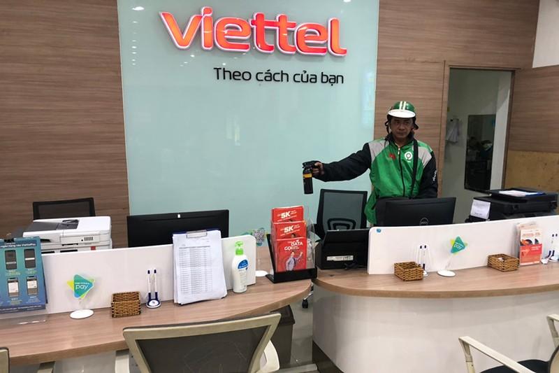 Nữ nhân viên Viettel bị xịt hơi cay, cướp hơn 200 triệu đồng - ảnh 1