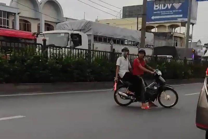 TP.HCM: Bắt khẩn cấp 11 quái xế chặn đường đua xe ở QL 22 - ảnh 2