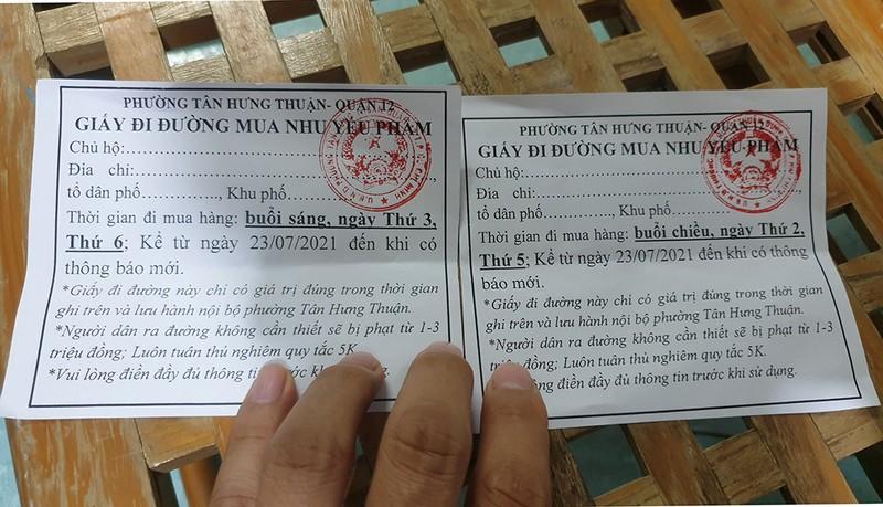 Thực hiện Chỉ thị 12: Một phường phát hơn 8.000 giấy 'đi chợ' cho dân - ảnh 8