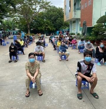 Huyện Hóc Môn tiêm gần hết 5 ngàn liều Vero Cell trong buổi sáng - ảnh 1