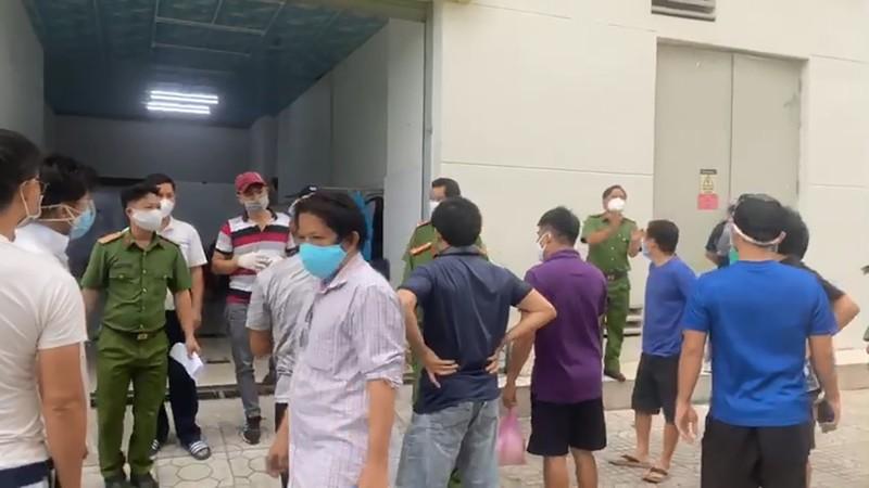 Bị cắt nước trong mùa dịch, người dân bức xúc với ban quản lý chung cư - ảnh 2