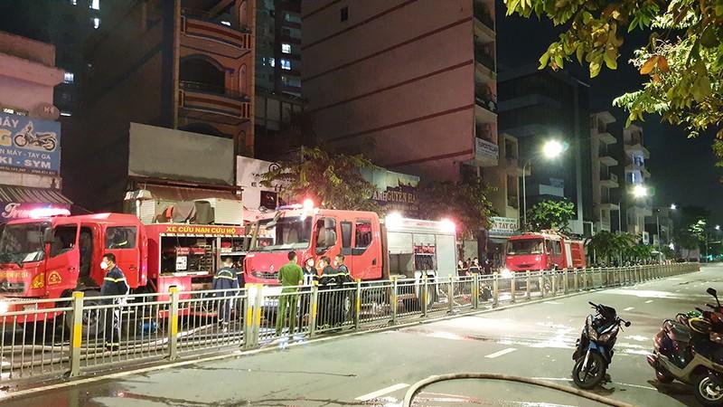 Cháy nhà, 1 người chết, 4 người bị thương ở quận Tân Phú - ảnh 3