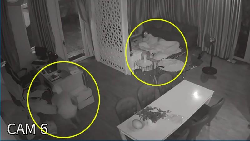 Mặc cho gia chủ ngủ ngay cửa, trộm vào lục tung nhà trong 1 tiếng đồng hồ - ảnh 3