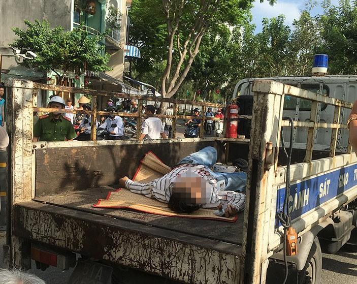 2 thanh niên tông gãy dải phân cách trên đường Hoàng Sa - ảnh 2