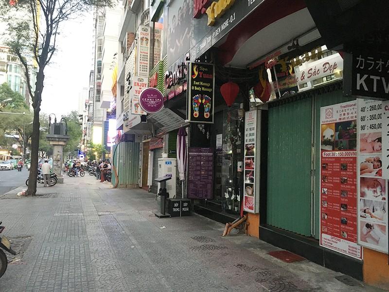 Hàng ngàn nhà hàng, quán bar, karaoke ở TP.HCM đóng cửa - ảnh 12