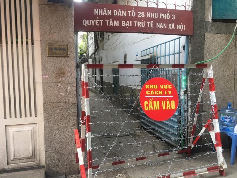 Dịch COVID-19: Toàn cảnh 3 khu dân cư bị cách ly ở TP.HCM - ảnh 1