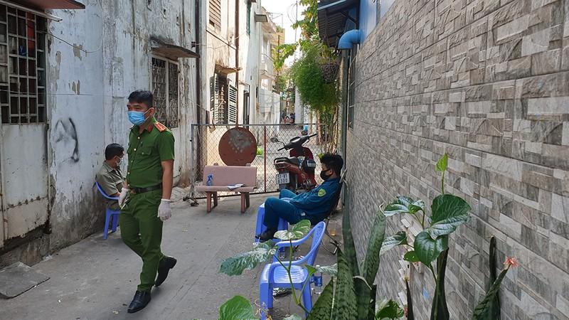 Phong toả ba khu đông dân cư ở TP.HCM - ảnh 5