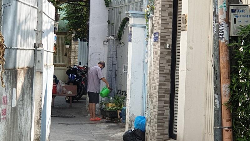 Phong toả ba khu đông dân cư ở TP.HCM - ảnh 6