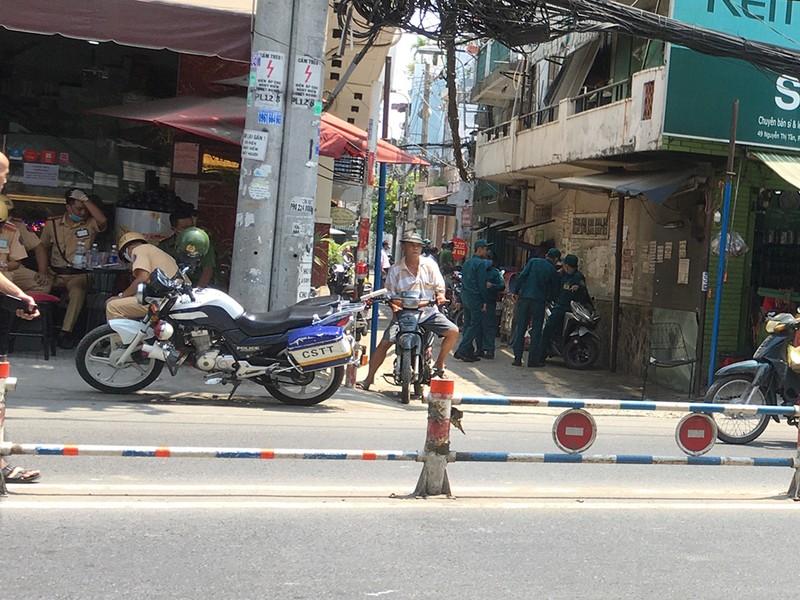 Phong toả ba khu đông dân cư ở TP.HCM - ảnh 1