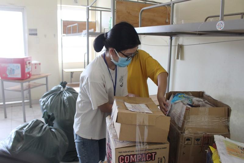 Sinh viên tình nguyện dọn ký túc xá đón người cách ly - ảnh 2