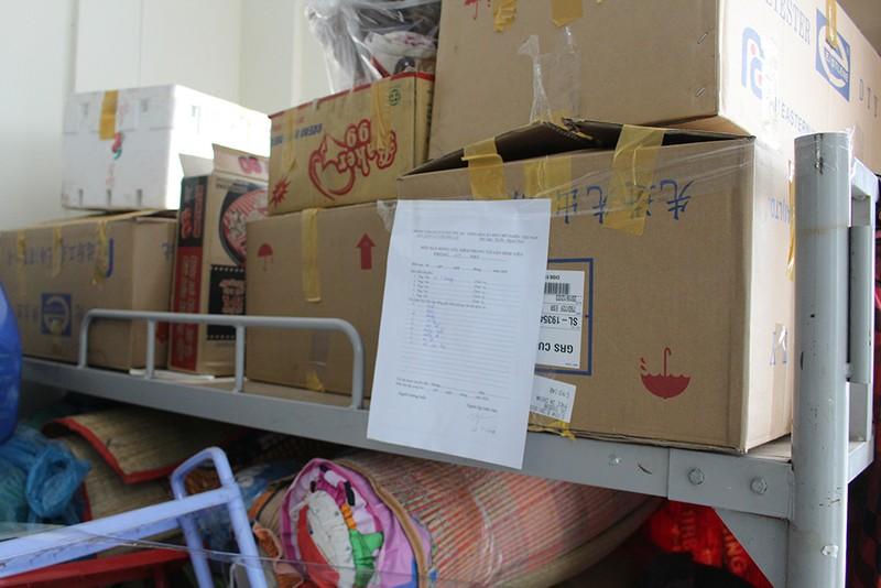 Hàng trăm tình nguyện viên dọn ký túc xá đón người cách ly - ảnh 9
