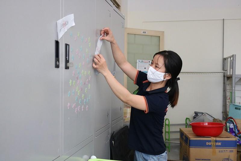 Hàng trăm tình nguyện viên dọn ký túc xá đón người cách ly - ảnh 8