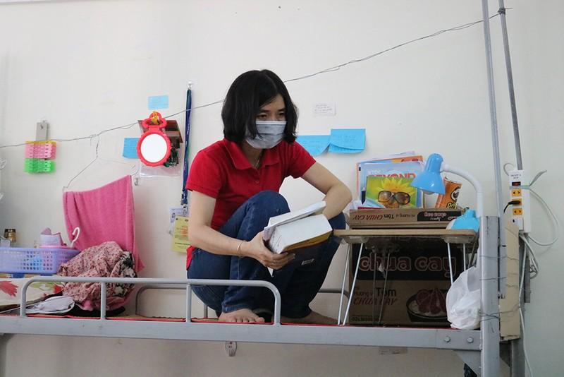 Hàng trăm tình nguyện viên dọn ký túc xá đón người cách ly - ảnh 7