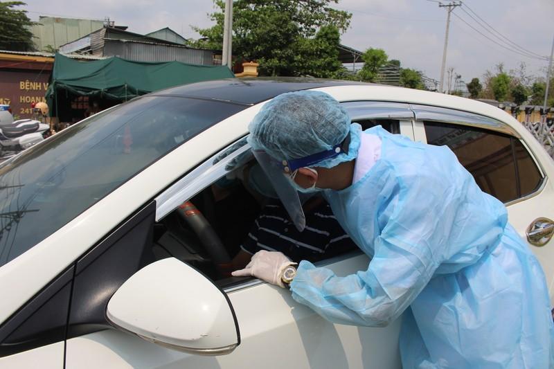 Quy trình xử lý khi chốt kiểm soát y tế phát hiện người sốt - ảnh 4
