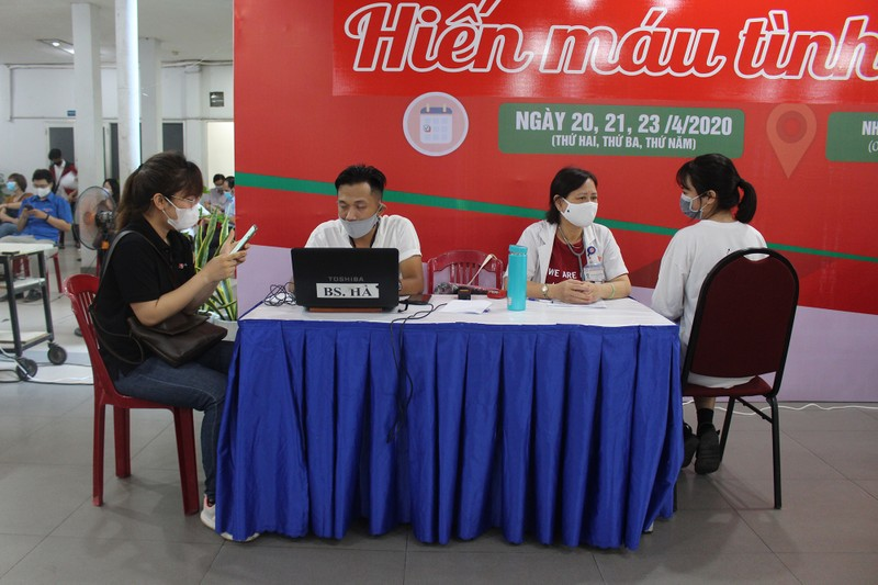 Khối Dân - Chính - Đảng TP.HCM hiến máu mùa dịch COVID-19 - ảnh 6