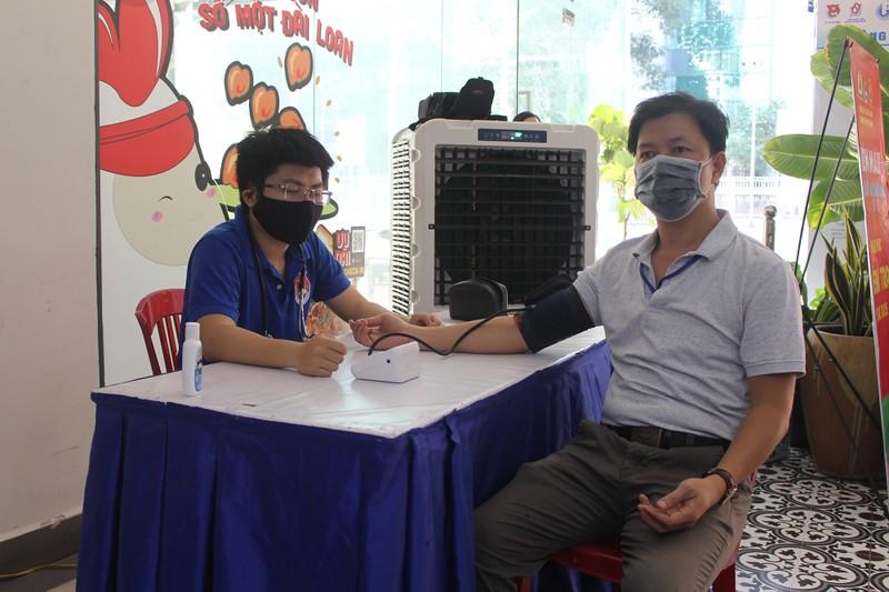 Khối Dân - Chính - Đảng TP.HCM hiến máu mùa dịch COVID-19 - ảnh 5