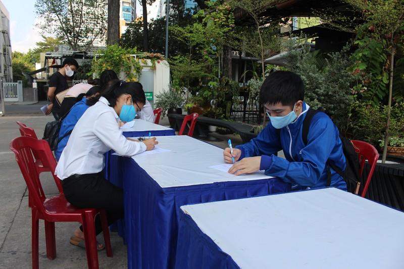 Khối Dân - Chính - Đảng TP.HCM hiến máu mùa dịch COVID-19 - ảnh 2