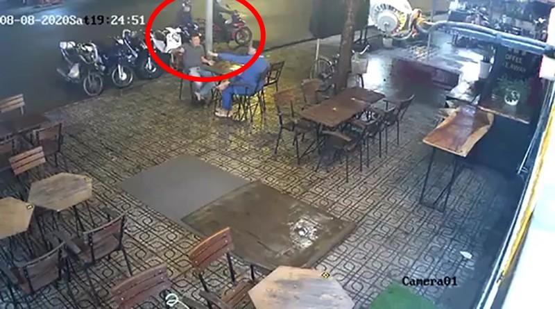 Quận 9: Giả mua cà phê rồi trộm xe máy của nhân viên - ảnh 2