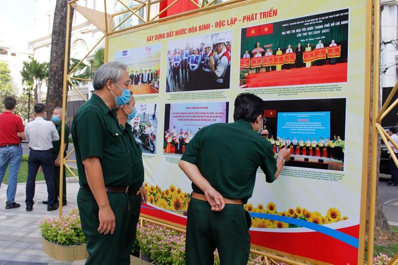 TP.HCM khai mạc triển lãm Cách mạng tháng 8 và Quốc khánh 2-9 - ảnh 3