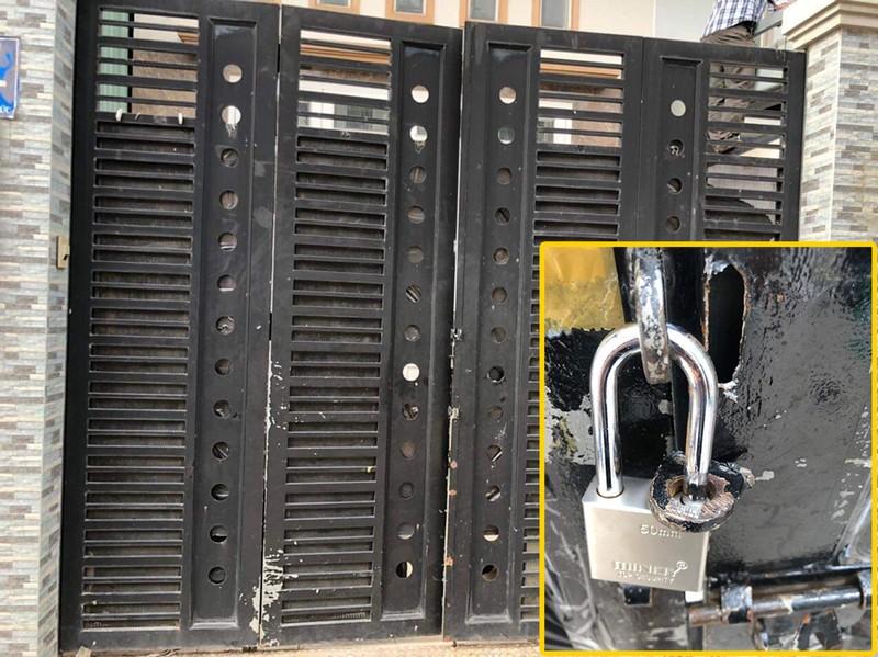 Nhà dân ở Thủ Đức bị trộm cắt cửa lấy 3 xe máy - ảnh 1