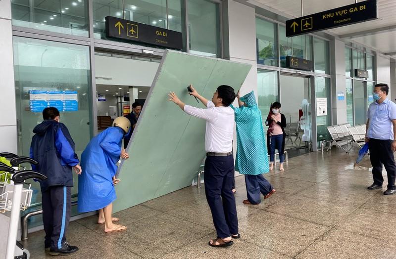 Sân bay Chu Lai đóng cửa trước giờ bão vào - ảnh 5